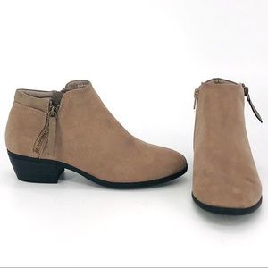 Toetos New York Boston Ankle Boots Size 6.5
